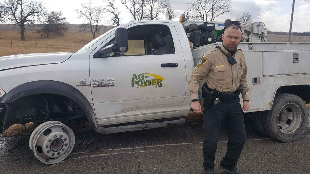 Stolen Vehicle and Pursuit Ends in Livingston County - Press